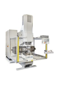 C-Maschine zur axialen Rohrbearbeitung